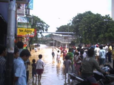 Banjir di Jalan Otista Raya Jakarta Timur tahun 2007