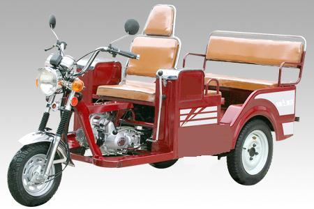 Kendaraan Roda Tiga Trike Yang Lebih Aman Daripada Sepeda Motor