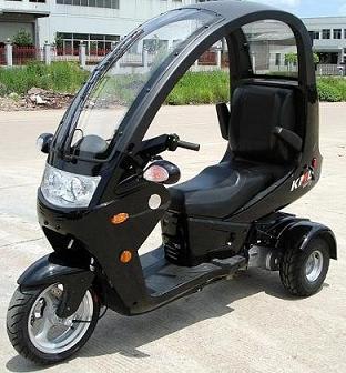 Kendaraan Roda Tiga/Trike yang Lebih Aman daripada Sepeda Motor