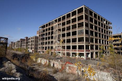 Pabrik Mobil yang Terlantar di Detroit