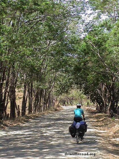 Jalan dari Playa Tamarindo ke Playa Samara, Costa Rica