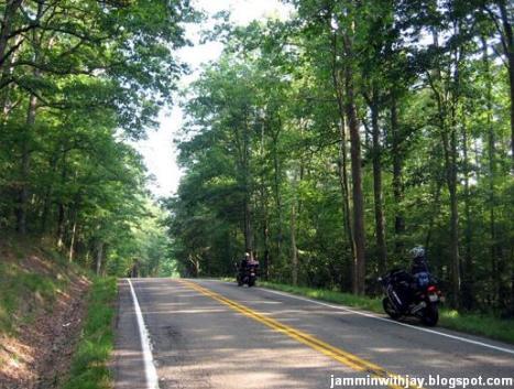 Tur dengan Motor Gede di West Virginia