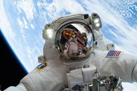 SELFIE NASA