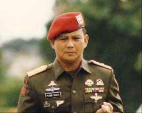 Prabowo Komandan